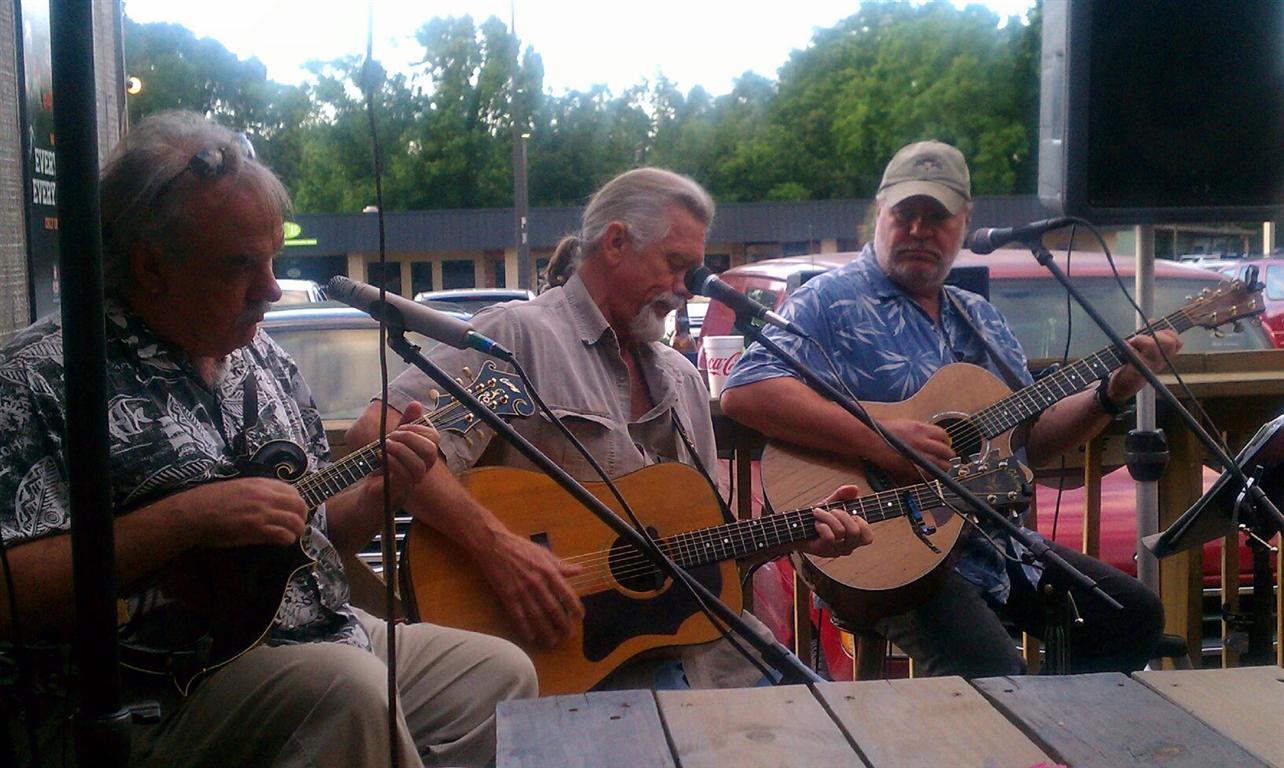2012-05-20 The SC Boys @ DDPeckers.jpg